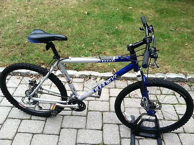 Trek 4100 aluminum mens mountain bike mans siver blue hardtail bicycle