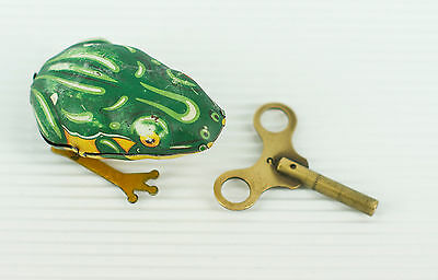 Vintage 1930's D.R.G.M Germany  Wind-Up Clockwork Jumping Frog with Key