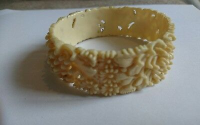 vintage plastic bangle