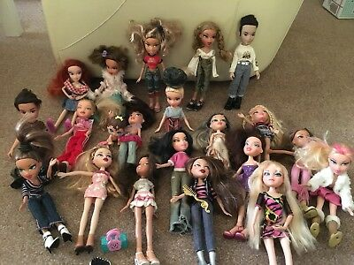 20 Bratz Dolls Bundle + little one gratis