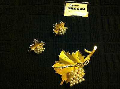 18K Gold and Pearl Earrings and Brooch Set