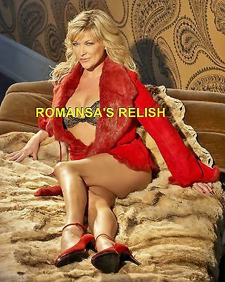 Claire King  ( Eastenders )  Photographic Image R529
