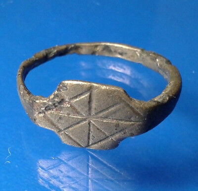 Late Roman to Byzantine, c. 4th-7th century AD. Nice bronze ring.