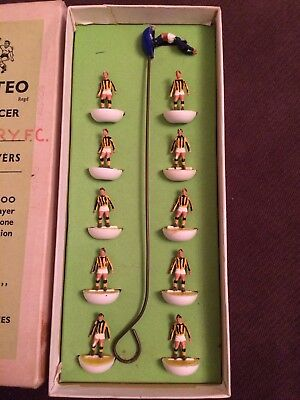 Subbuteo Hw team Reference 35 Barnet  RARE Reversed Base Combo In Reference Box