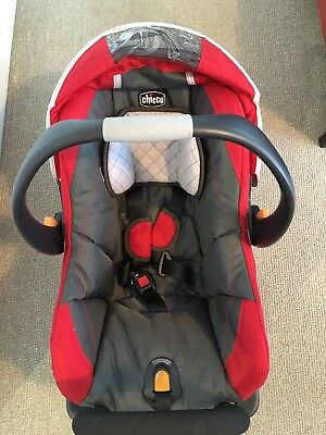 Chicco Keyfit Plus Infant Capsule and Base