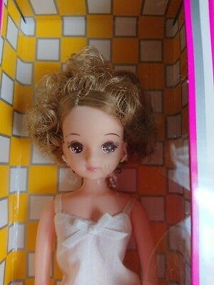 Takara TOMY Licca Doll Rika chan Doll Castle Curly Kira-chan from Japan F/S