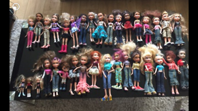 34 x Bratz Dolls and loads of accessories