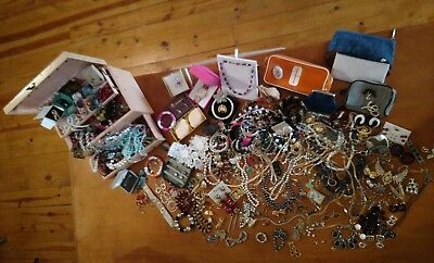 10pc Jewelry Lot  Picked Randomly Antique Vintage, Modern Gold & Silver Tone