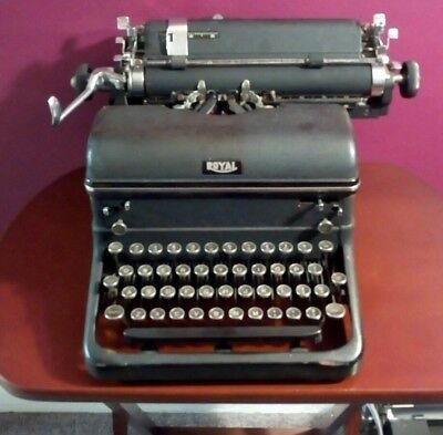 TRUE ANTIQUE ROYAL cast typewriter, heavy!AMAZING display