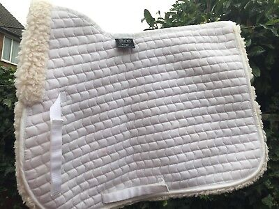 Shires High Wither, Faux Fur, Full large numnah , white. Soft and thick