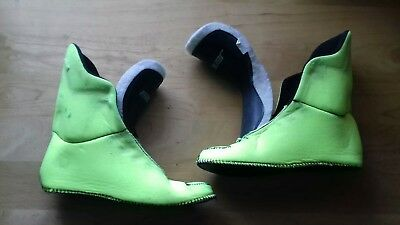 "Bauer ""Fluro"" skate liners in a uk size 3/4."