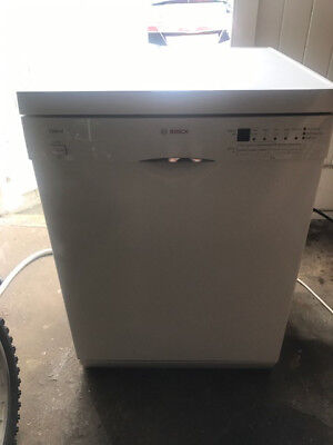 Bosch White Freestanding Dishwasher - full working order