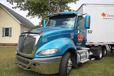 semi truck, day cab, excellent condition