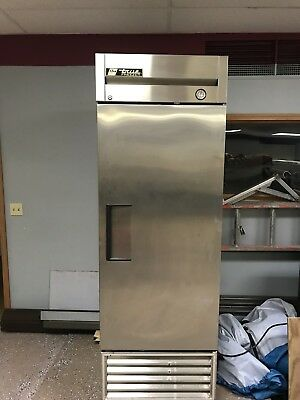 TRUE ONE SOLID DOOR REACH-IN FREEZER T-23F Single Door pickup only no ship