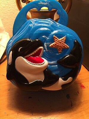 2006 Shamu Seaworld Plastic Lunchbox, Great Condition
