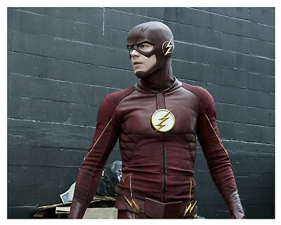 --THE FLASH-  (GRANT GUSTIN)--Glossy 8x10 Photo-g-