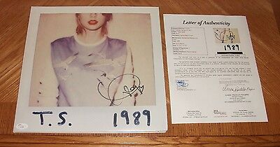 Taylor Swift Autographed 1989 Vinyl Record LP Album - JSA Certified! Hand Signed