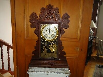 Antique Welch clock, Connecticut USA. wooden mantle clock