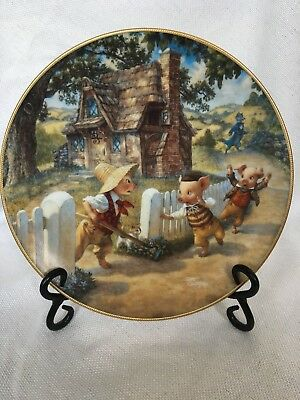 """Knowles """"The Three Little Pigs"""" Collectors Plate"""
