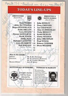 Brentford  Rare 1989 Football Programme Signed Autographs by Squad Team