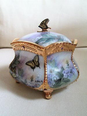 Ardleigh Elliot Lena Liu's porcelain 2001 musical trinket box You are beautiful