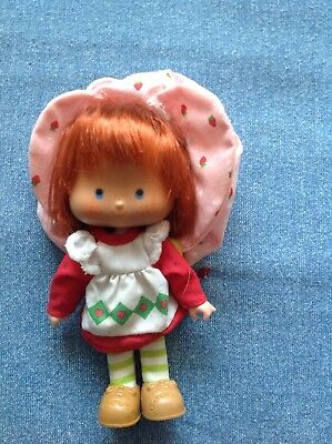 vintage strawberry shortcake doll herself with hat and ssoes