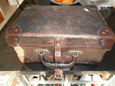 Vintage carrying case for telephone