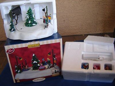 New 2008 Lemax Lighted & Animated Saucer fun Table Accent Christmas Village