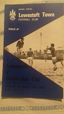 LOWESTOFT TOWN v CAMBRIDGE CITY 19/11/1968 EAST ANGLIAN CUP.