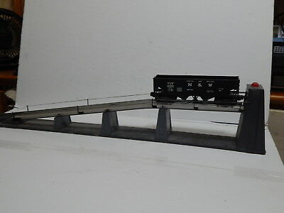 Lionel O Gauge Postwar 456 Coal Ramp, with Operating hopper works perfectly