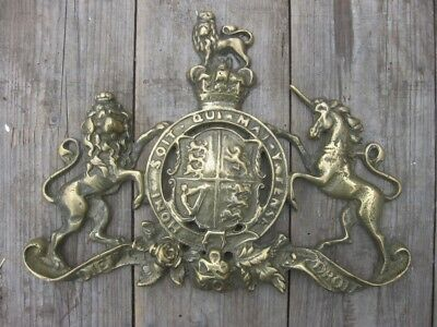 25450 Old Cast Brass Queen Victoria Coat of Arms Safe Plate Sign Crest