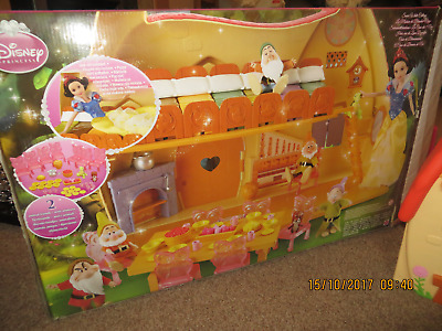 Snow White & The Seven Dwarfs Large House - In box with accessories