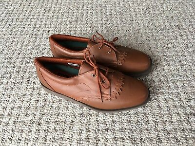 Ladies size 6 Tan lace-up Bowls shoes by Botra