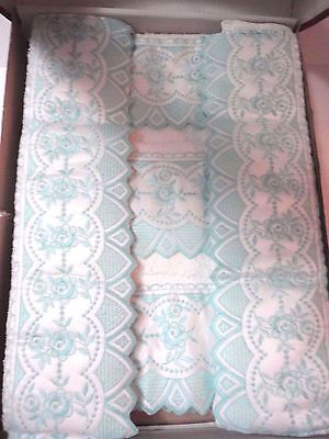 5 PC Towel Set From Portugal Embroidered Lace 1 Bath 2 Hand & Face Green/White