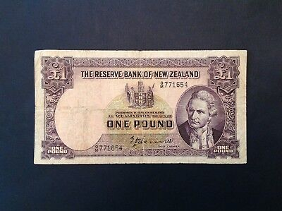 -New Zealand One 1 Pound 1940-55 - Hanna  P 159a
