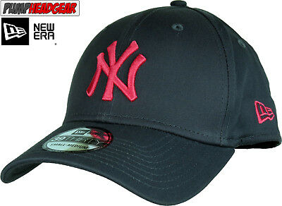 NY Yankees New Era 3930 League Essential Stretch Fit Baseball Cap - Grey/Red