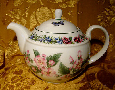 """Royal Worcester """"herbs"""" Teapot Marshmallow Made In England"""