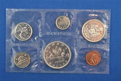 SET OF 6 1962 CANADIAN UNCIRCULATED MINT SET. SILVER DOLLAR $1 50c 25c 10c 5c 1c