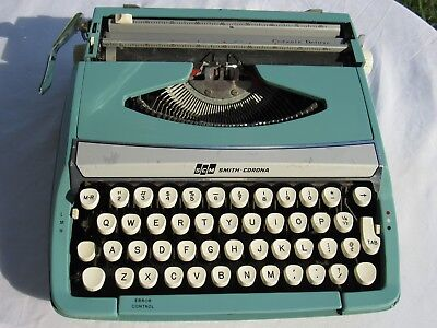 Vintage Teal Smith Corona SMC Corsair Deluxe Portable Manual Typewriter, WORKS