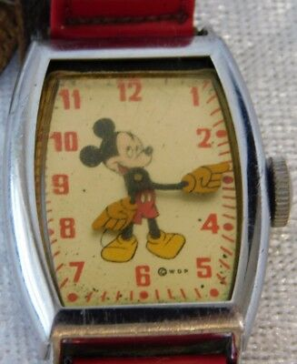 Vtg Mickey Mouse Disney US Time Moving Hands Rectangular Watch