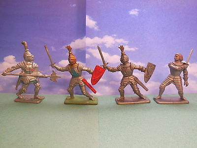 Vintage Crescent Medieval Knights Plastic Toy Soldiers 1:32
