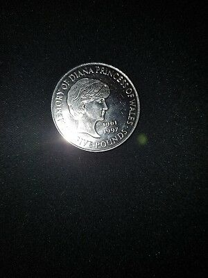 1999 £5 - Five Pound  Coin, In Memory of  Diana Princess of Wales 1961-97