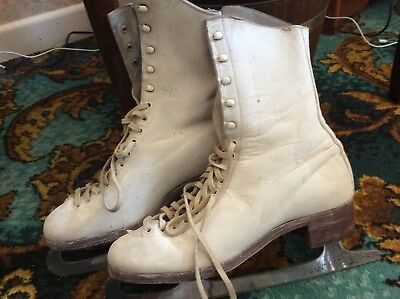vintage leather ice skates size 5 by fagan white with blade protectors S/Steel