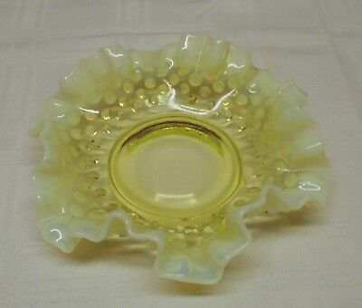 """Vintage 6 """" Unmarked Fenton Yellow  Opalescent Color HOBNAIL Art Glass Bowl"""