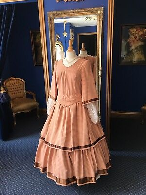 Lovely Victorian Style Theatrical Day Dress, Beautifully Cut, Lovely Detailing!!