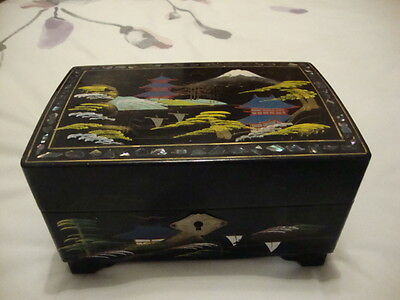 Japanese Painted and Lacquered Musical Jewellery Box. Vintage? Daysun or Daysum?