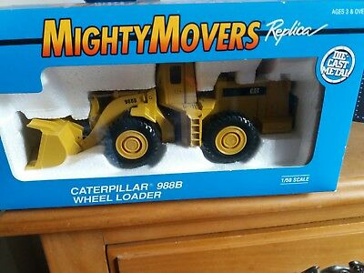 Ertl Caterpillar Wheel Loader Mighty Movers Replica 1/50 Scale. Pre- owned.
