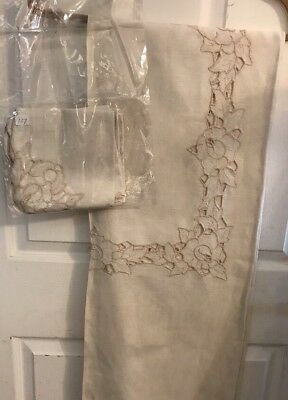 Stunning Vintage Ivory Embroidered  Cut Work Tablecloth 66 X 52 & 5 Napkins