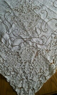 """VINTAGE 68""""x104"""" TABLECLOTH ~ BEAUTIFUL FIGURAL NEEDLE LACE ~CUTTER RE-PURPOSING"""