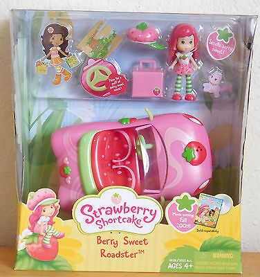 Berry Sweet Roadster with Mini Doll  STRAWBERRY SHORTCAKE Retired NEW